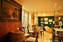 www.wineinstitute.czKodanska34Vrsovice.Winebaravinoteka1small.png - Vinotéka a winebar ve Vršovicích