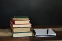 Knihy3-1582841488.jpg -