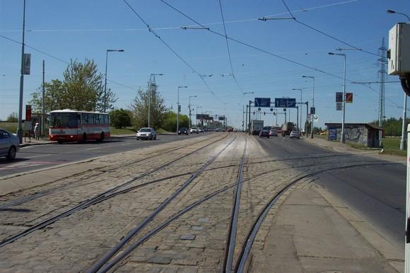 1280px-Praha_Brevnov_Vypich_tramvajova_trat.jpg