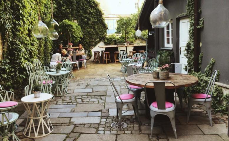 Cathedral Café Lounge & Restaurant
