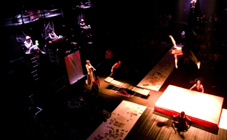 Cirk La Putyka: představení Up End Down