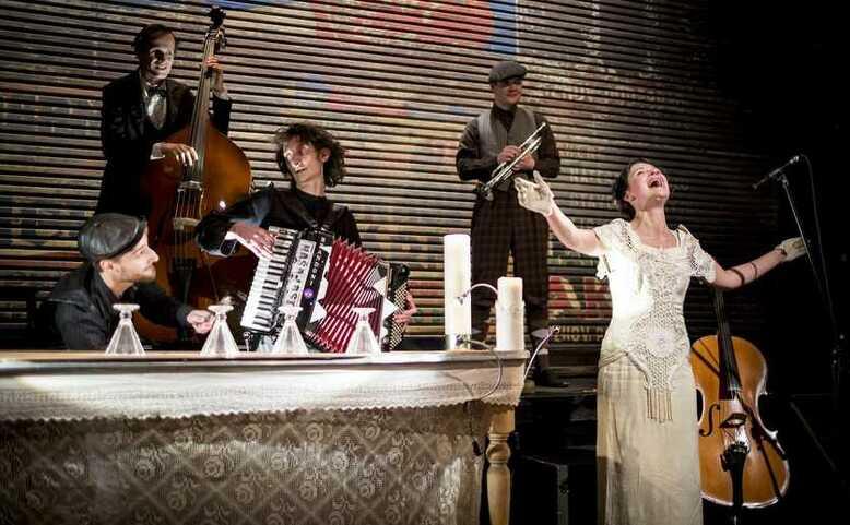 A VEN!: Představení Turnaj krále Karlaa CIRQUEON kabaret
