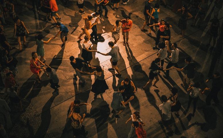 Open Air tančírna na terase KCP