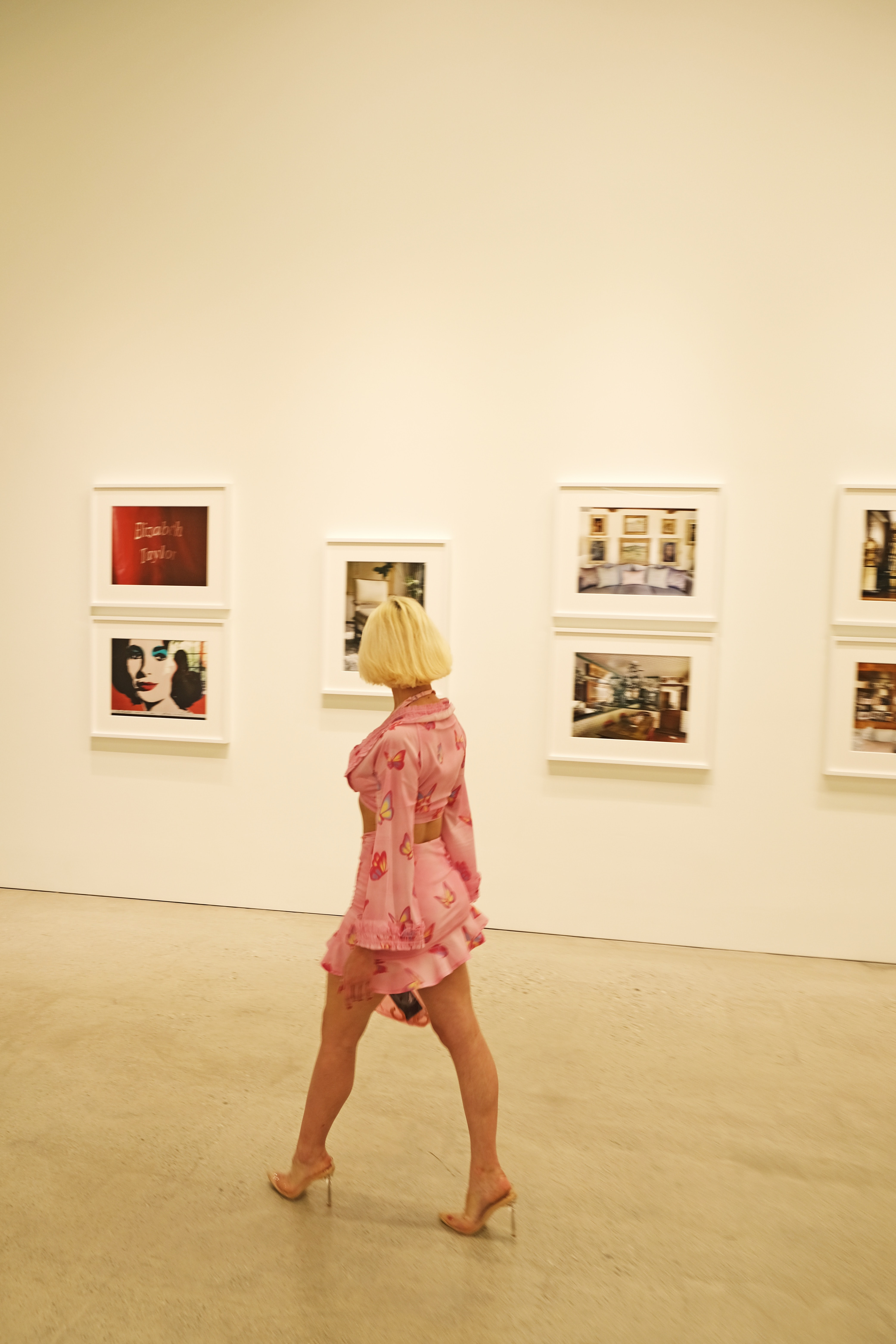 Online: Bílá sukně. Ženské umělecké osobnosti 60. a 70