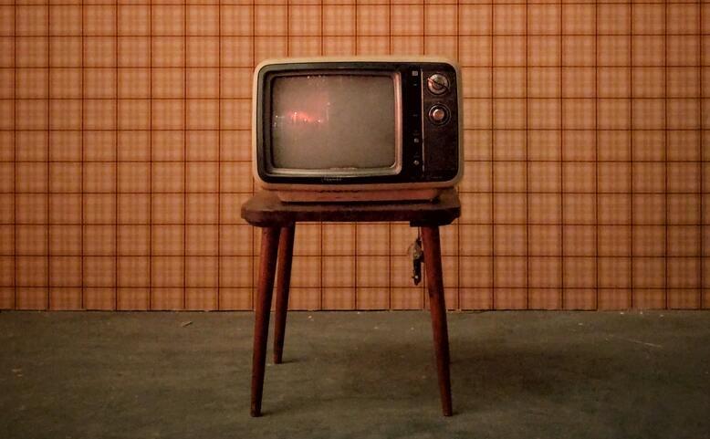 Televizi lidem, ne stranám