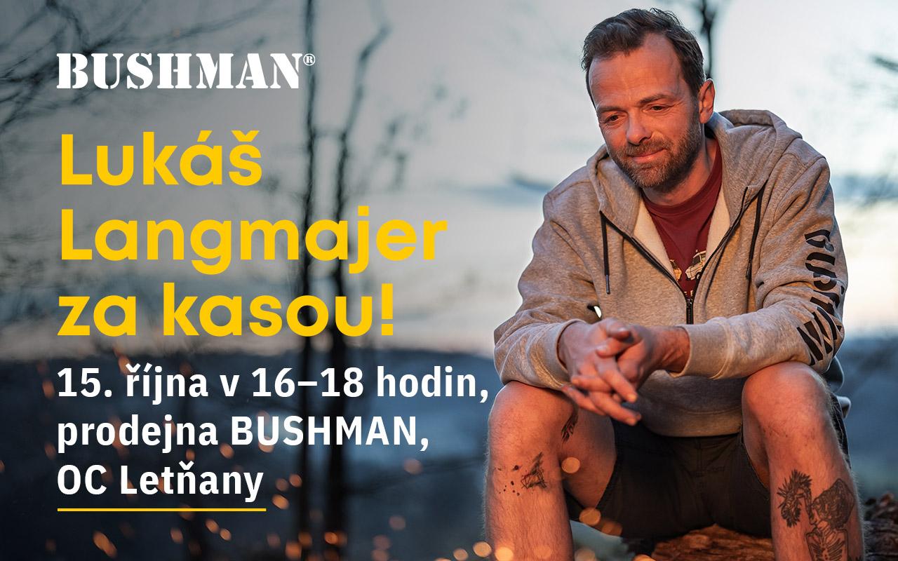Lukáš Langmajer za kasou v prodejně Bushman