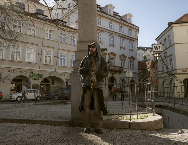Procházka s Karimem na téma pražské podsvětí z první ru