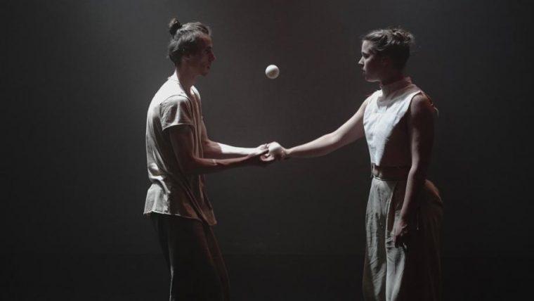 Představení DÓ   nový cirkus & tanec