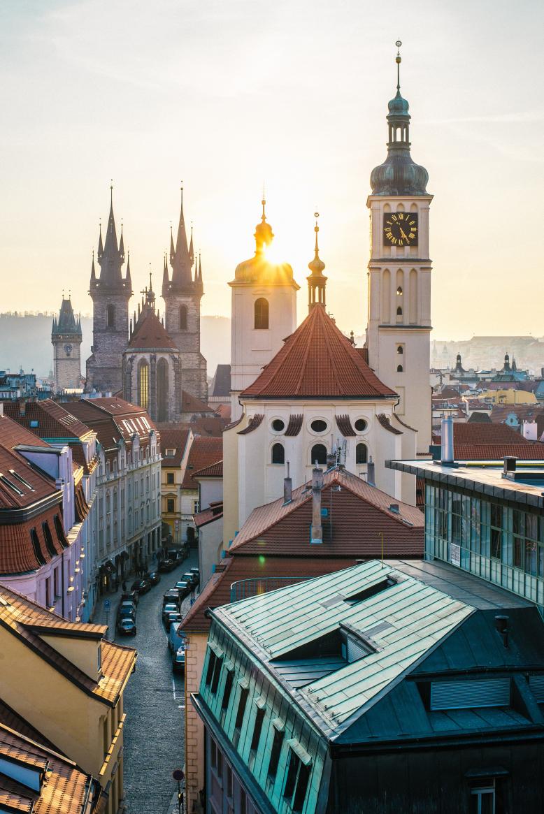 Procházka po Praze: Pocta staré Praze a velikánům dějin