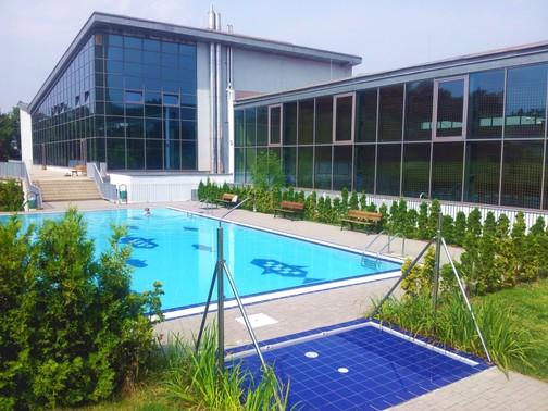 Venkovní bazén Praha - Hloubětín